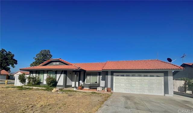 909 S S Vine Avenue, Bloomington, CA 92316 (#CV21203682) :: Corcoran Global Living