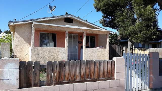 253 W Ramona Street, Ventura, CA 93001 (#V1-8409) :: The Houston Team | Compass