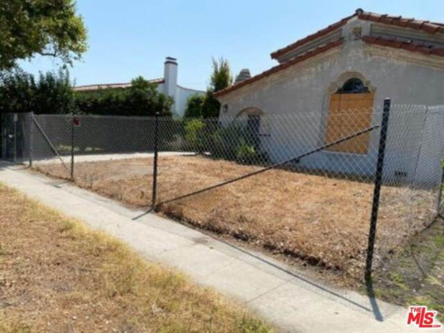 109 S Crescent Heights Boulevard, Los Angeles (City), CA 90048 (#21784312) :: Steele Canyon Realty