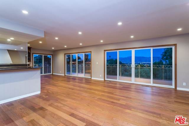 3731 Blue Canyon Drive, Studio City, CA 91604 (#21784322) :: Blake Cory Home Selling Team