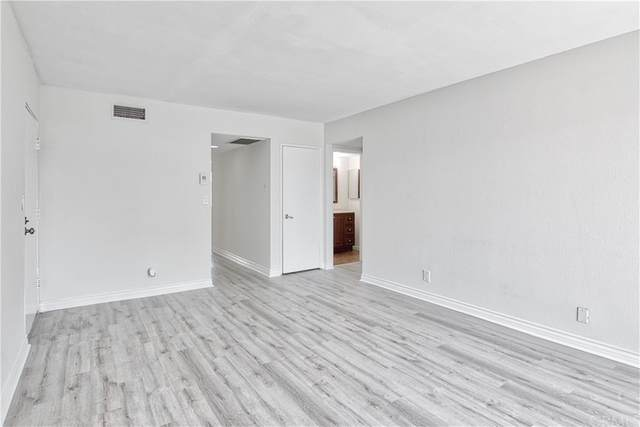 8847 Willis Avenue #34, Panorama City, CA 91402 (#WS21203959) :: Wendy Rich-Soto and Associates