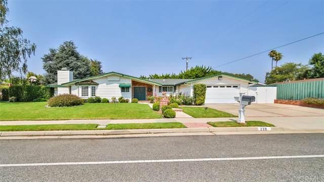 229 E Gainsborough Road, Thousand Oaks, CA 91360 (#IN21186545) :: The Houston Team   Compass
