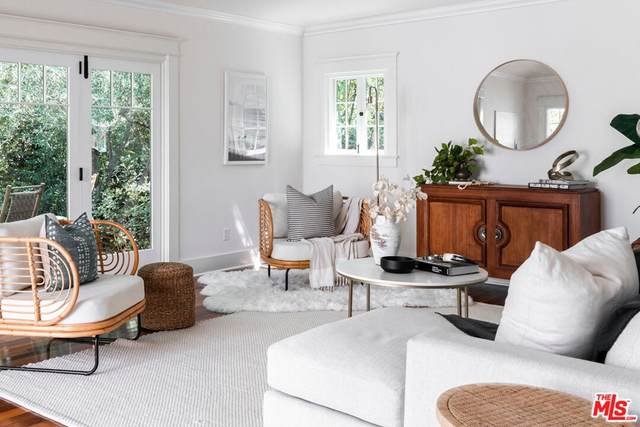 1617 N Vista Street, Los Angeles (City), CA 90046 (#21784616) :: Blake Cory Home Selling Team
