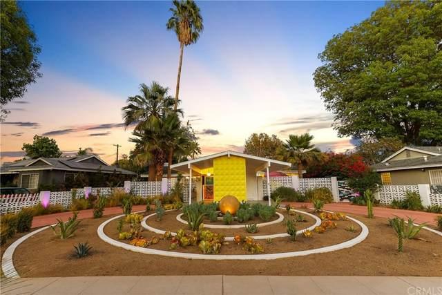 8428 Delco Avenue, Winnetka, CA 91306 (#OC21205467) :: Corcoran Global Living