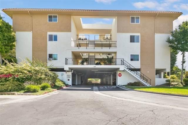 2394 Via Mariposa W 2F, Laguna Woods, CA 92637 (MLS #OC21205941) :: Desert Area Homes For Sale