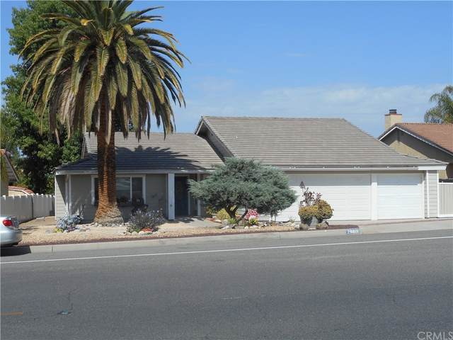 29801 Vacation Drive, Canyon Lake, CA 92587 (MLS #IV21201057) :: Desert Area Homes For Sale