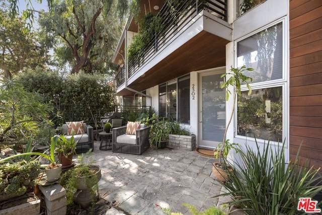 2302 6Th Street #2302, Santa Monica, CA 90405 (#21785530) :: Blake Cory Home Selling Team