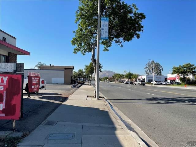 9481 Sierra Avenue, Fontana, CA 92335 (#IV21207325) :: Veronica Encinas Team