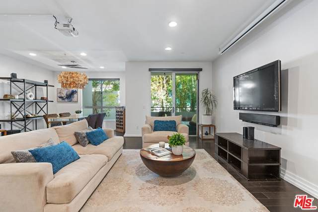 2010 S Beverly Glen Boulevard #302, Los Angeles (City), CA 90025 (#21785022) :: Rogers Realty Group/Berkshire Hathaway HomeServices California Properties