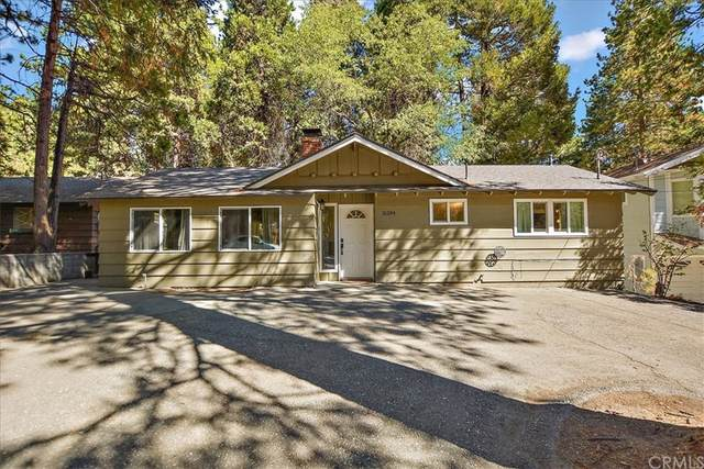 31394 Oakleaf Drive, Running Springs, CA 92382 (#IV21207823) :: American Real Estate List & Sell