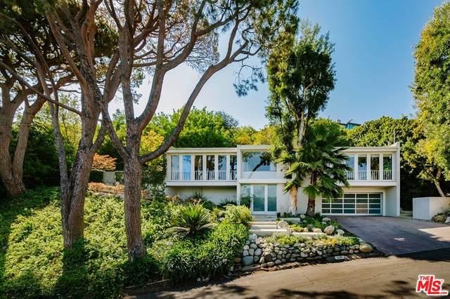 12311 Deerbrook Lane, Los Angeles (City), CA 90049 (#21786882) :: Millman Team