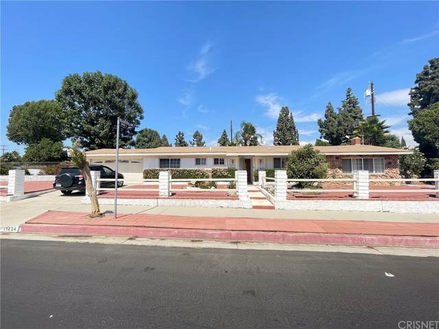 11424 Gladstone Way, Sylmar, CA 91342 (#SR21209751) :: Mark Nazzal Real Estate Group