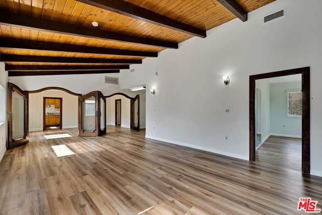 11047 Fenway Street, Sun Valley, CA 91352 (#21786740) :: Corcoran Global Living
