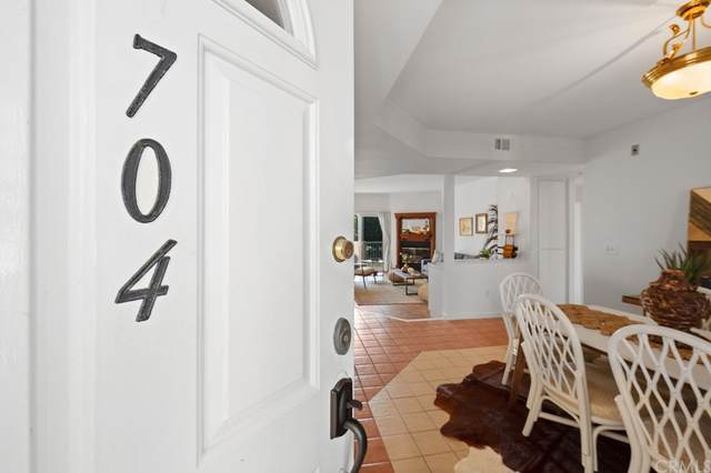 25 15th Place #704, Long Beach, CA 90802 (#RS21200212) :: Rogers Realty Group/Berkshire Hathaway HomeServices California Properties
