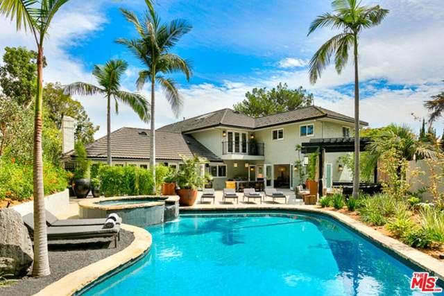 2115 N Hobart Boulevard, Los Angeles (City), CA 90027 (#21787302) :: Corcoran Global Living