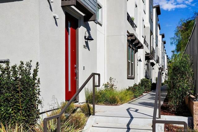 2524 S Escondido Blvd #1012, Escondido, CA 92025 (#210027088) :: Corcoran Global Living