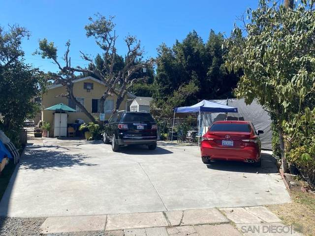 3699 Acacia Street, San Diego, CA 92113 (#210027162) :: Corcoran Global Living