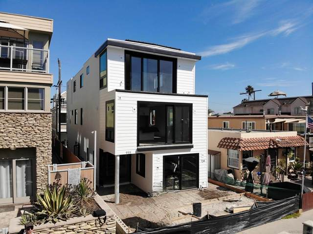 722 724 Island, San Diego, CA 92109 (#210027158) :: Corcoran Global Living