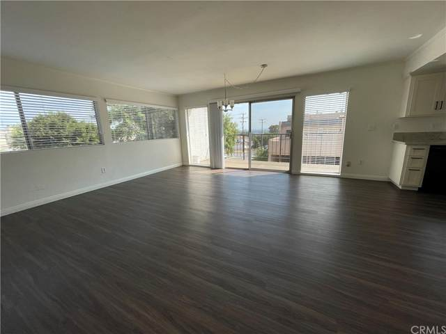 2227 Ohio Avenue, Signal Hill, CA 90755 (#PW21211774) :: Team Forss Realty Group