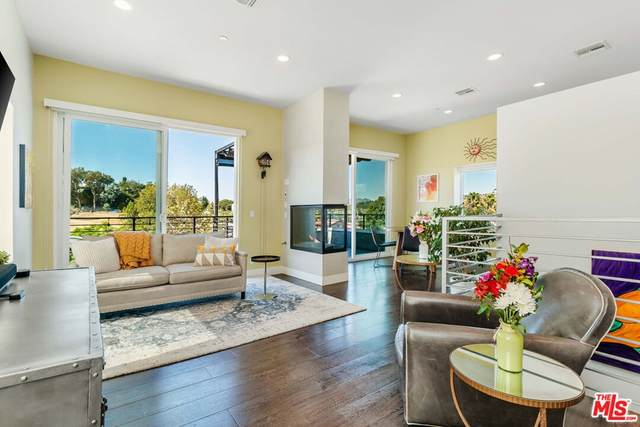 4327 Mont Eagle Place, Los Angeles (City), CA 90041 (#21787866) :: Jett Real Estate Group