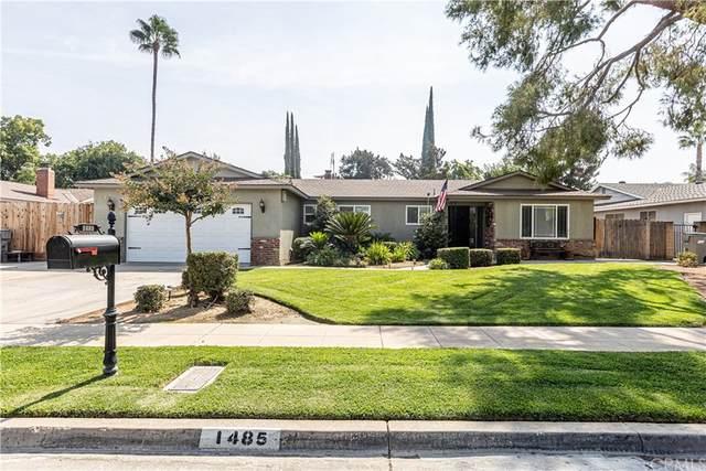 1485 W Palo Alto Avenue, Fresno, CA 93711 (#FR21211540) :: Mainstreet Realtors®