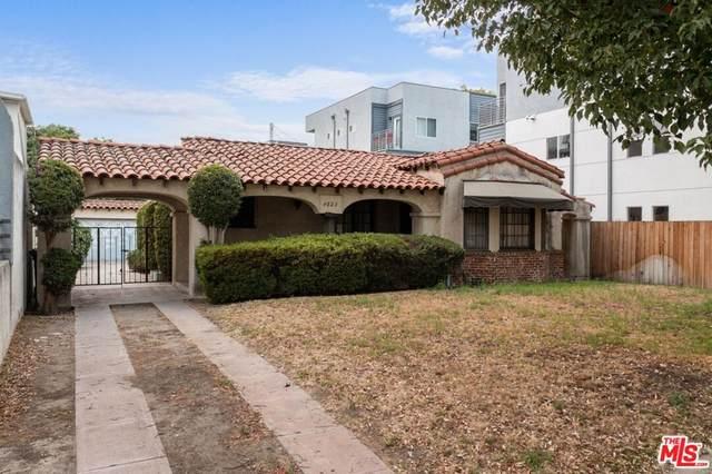 4823 Satsuma Avenue, North Hollywood, CA 91601 (#21787900) :: Corcoran Global Living