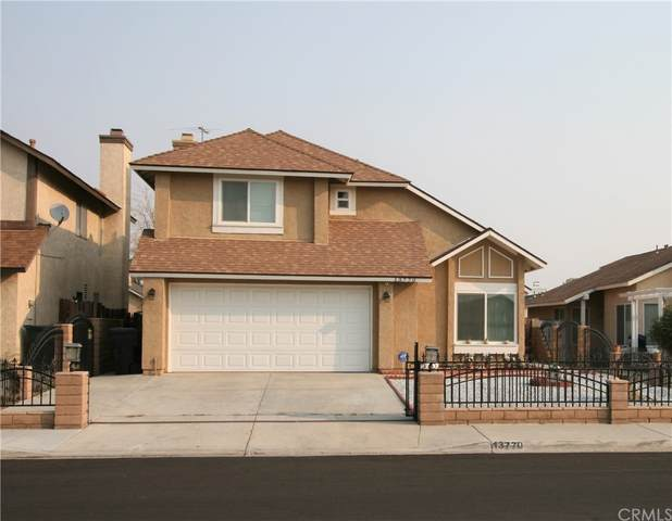 13770 Mount Baldy Way, Victorville, CA 92392 (#CV21209123) :: Team Forss Realty Group
