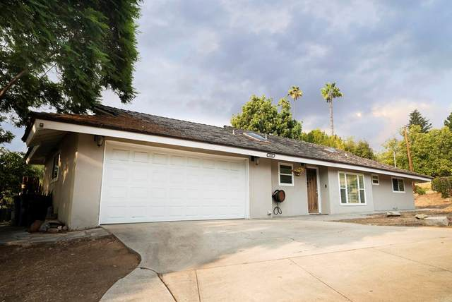 1569 Alta Vista Drive, Vista, CA 92084 (#NDP2111104) :: Corcoran Global Living