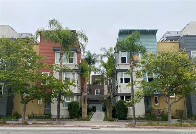 405 W 2nd Avenue #1107, Escondido, CA 92025 (#PW21211966) :: Corcoran Global Living
