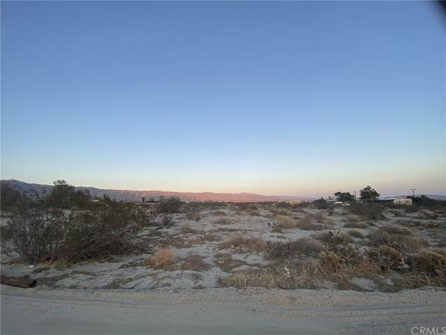 5 Avenida De La Familias, Desert Hot Springs, CA 92240 (#OC21212651) :: Mint Real Estate
