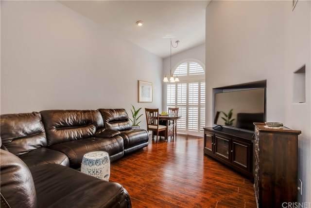 18832 Vista Del Canon F, Newhall, CA 91321 (#SR21216193) :: Blake Cory Home Selling Team