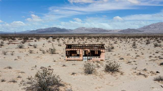 7351 Mcandrew Road, 29 Palms, CA 92277 (#JT21220322) :: The Miller Group