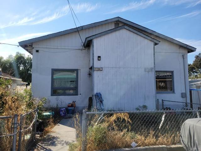 2136 44 Clytie Lane, Spring Valley, CA 91977 (#PTP2106978) :: Necol Realty Group