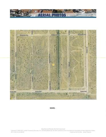 281 County Club, California City, CA 00000 (#OC21222317) :: Necol Realty Group