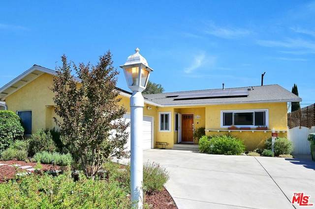 7464 Whitaker Avenue, Lake Balboa, CA 91406 (#21791236) :: Necol Realty Group