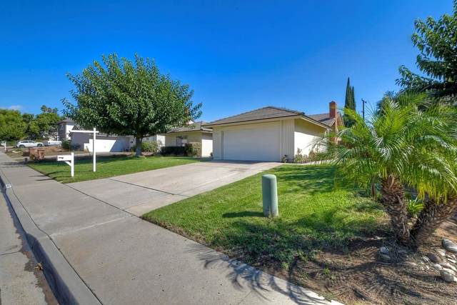 14445 Hillndale Way, Poway, CA 92064 (#210028552) :: The M&M Team Realty