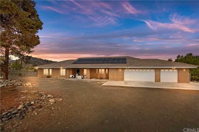 2626 Pegasus Way, Pinon Hills, CA 92372 (#CV21226083) :: RE/MAX Masters