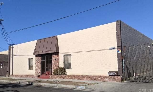 11246 Ilex Avenue, Pacoima, CA 91331 (#SR21225259) :: Robyn Icenhower & Associates