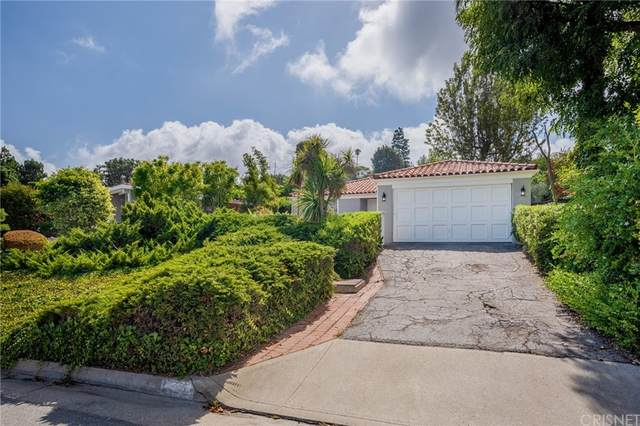 1556 Granvia Altamira, Palos Verdes Estates, CA 90274 (#SR21226150) :: Millman Team