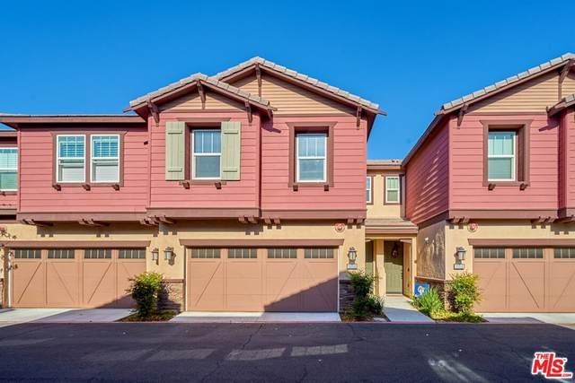 22015 Barrington Way, Saugus, CA 91350 (#21794442) :: Mainstreet Realtors®