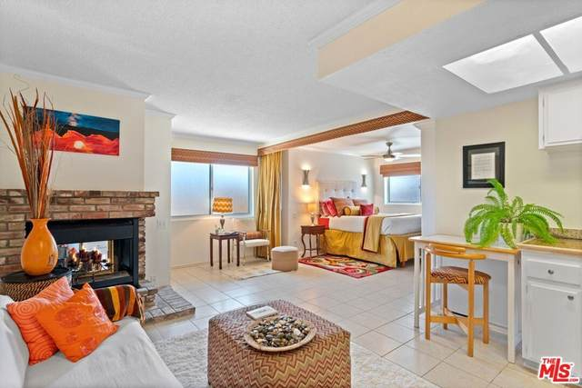 837 W Elberon Avenue 2A, San Pedro, CA 90731 (#21792968) :: Dave Shorter Real Estate