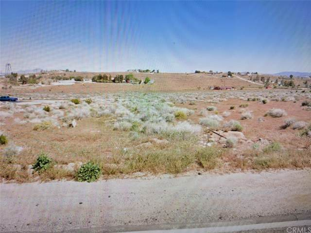 1 Roundup Way, Apple Valley, CA 92308 (#SW21227281) :: Necol Realty Group