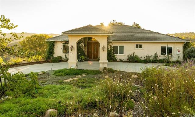 1798 Vista Del Lago, Fallbrook, CA 92028 (#SW21227807) :: Necol Realty Group