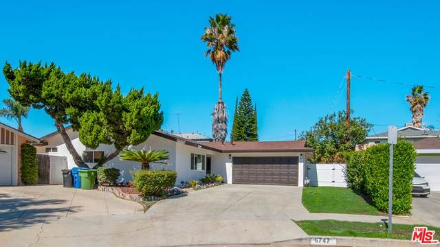 6747 Blewett Avenue, Lake Balboa, CA 91406 (#21794824) :: The M&M Team Realty