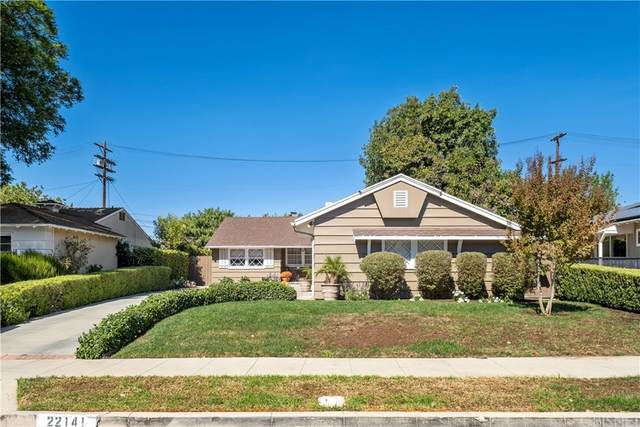 22141 Costanso Street, Woodland Hills, CA 91364 (#SR21227904) :: The Parsons Team