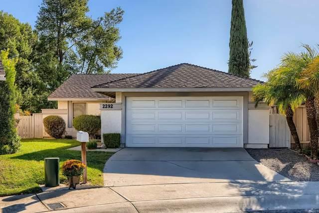 2292 Village Road, Escondido, CA 92026 (#NDP2111749) :: Blake Cory Home Selling Team