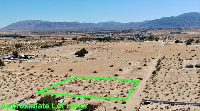 114 Desert Queen Road, 29 Palms, CA 92277 (#219068964PS) :: A|G Amaya Group Real Estate
