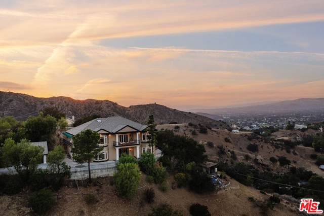 840 Crown Hill Drive, Simi Valley, CA 93063 (#21790796) :: Blake Cory Home Selling Team