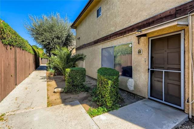 7321 Lennox Avenue I2, Van Nuys, CA 91405 (#ND21224424) :: Blake Cory Home Selling Team