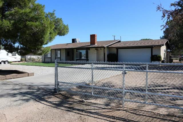 10753 Mohawk Road, Apple Valley, CA 92308 (#540148) :: RE/MAX Freedom